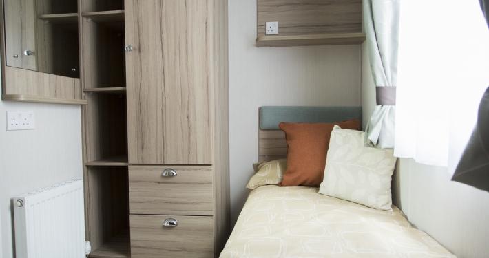 Swift Adventurer plus 2017 second bedroom